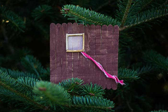 Jesse Tree Ornament of Rahab's red chord